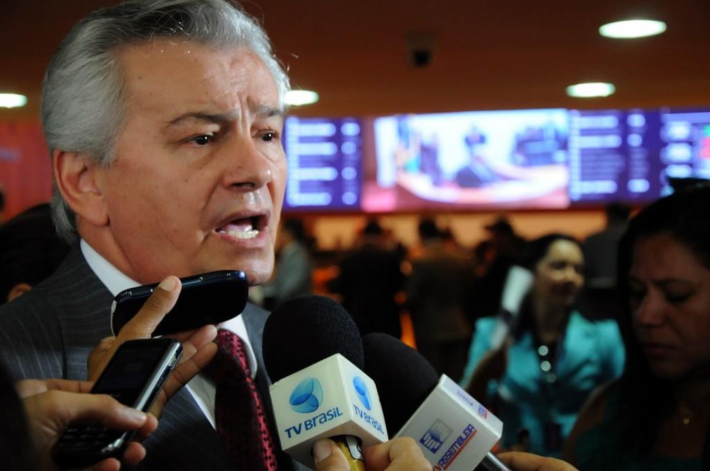 Durante os últimos dias de seu governo, Arnaldo Melo fez pagamentos a empresas de familiares