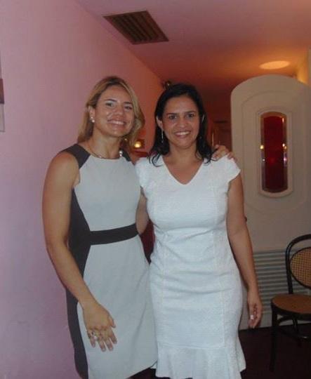 A namorada do secretário Márcio Jerry, Lene Rodrigues (vestido branco), acompanhada na irmã, Joslea Rodrigues, também emplacada pelo cunhado no governo Dino
