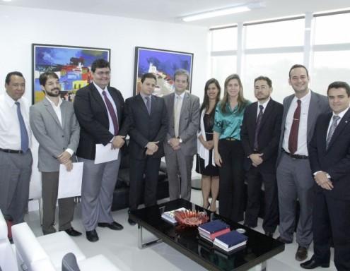 Em visita à sede da PGE, OAB-MA discutiu sobre MP 185 com o procurador Rodrigo Maia, porém não tornou pública a posição durante a discussão