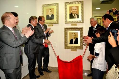 Nem mesmo o gasto com a foto e moldura do ex-presidente Arnaldo Melo foi divulgada por Coutinho