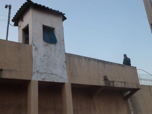 Complexo Penitenciário de Pedrinhas, em São Luís, onde preso consegue fugir carregado nas costas de outro preso