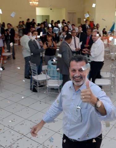 O advogado criminalista Charles Dias, que lidera o movimento, foi aplaudido de pé pelos colegas