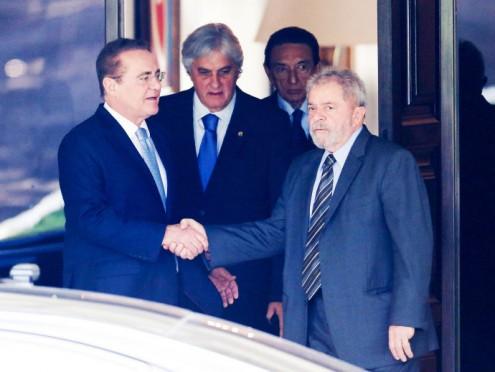 O presidente do Senado Federal, Renan Calheiros e o ex-presidente Luiz Inácio Lula da Silva durante encontro na residência oficial do Senado, em Brasília (DF)