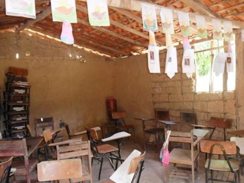 Escola em condições precárias no Povoado Brejo Mole, em Brejo de Areia, no Maranhão