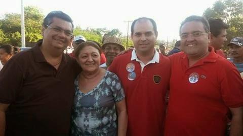 Wellington Leite e a mãe, Maria Aparecida, durante a campanha eleitoral de Flávio Dino e Roberto Rocha