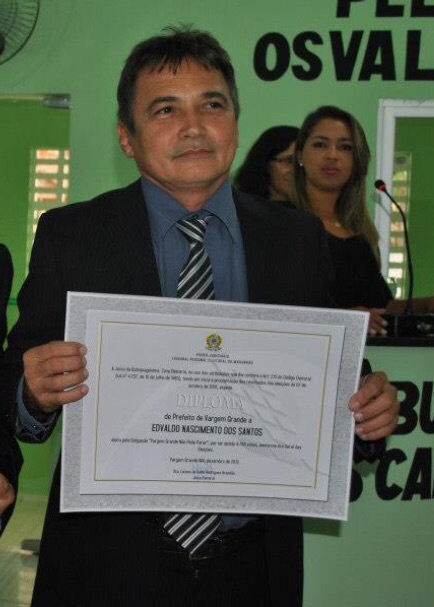 Prefeito Edvaldo Nascimento tem feito a máquina de Vargem Grande rodar por meio de contratos milionários com a mesma empresa, desde que assumiu o controle do município