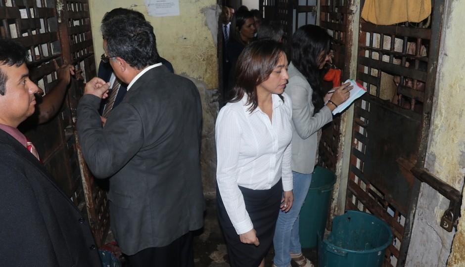 Eliziane Gama leva puxão de orelha de Flávio Dino e silencia sobre caos em Pedrinhas