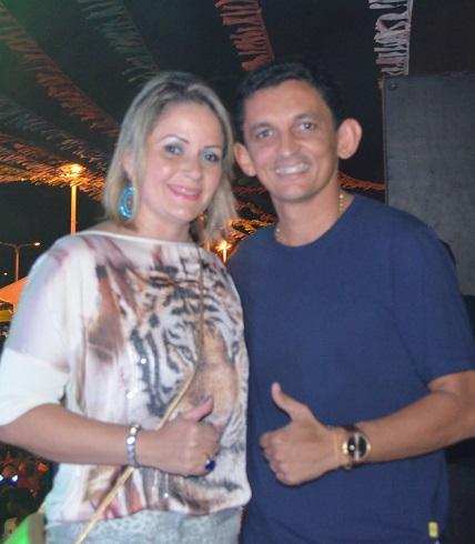 O prefeito Waldênio Souza e a esposa Aline Alice; farra com dinheiro público pode resultar em cadeia
