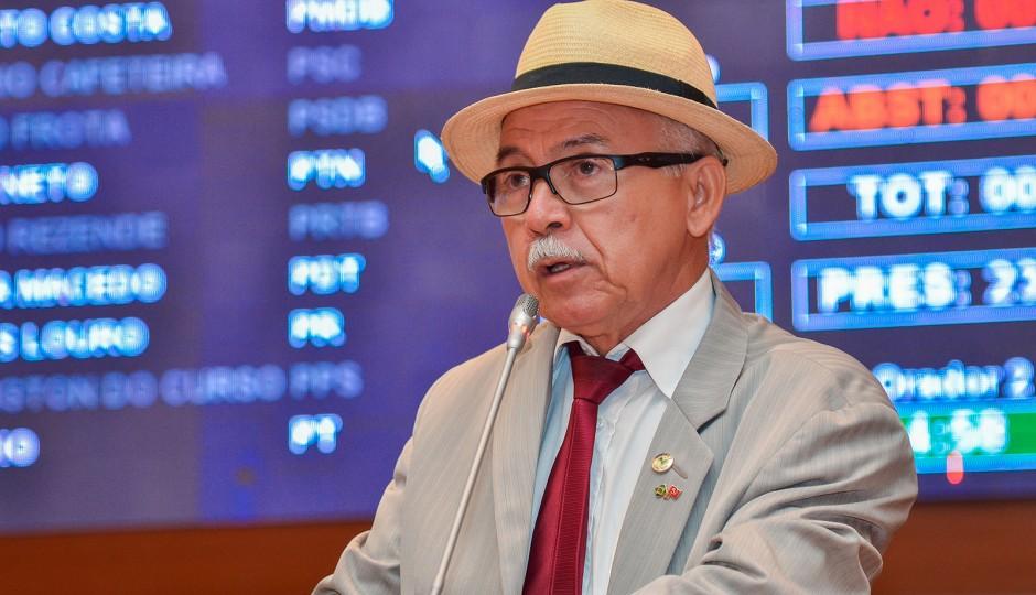 Fernando Furtado apresenta projeto que propõe anistia aos servidores do TJ