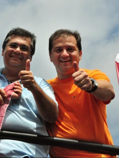 O secretário nepotista Simplício Araújo e o governador camarada Flávio Dino, durante a briga pelo controle das contas do Estado, em 2014