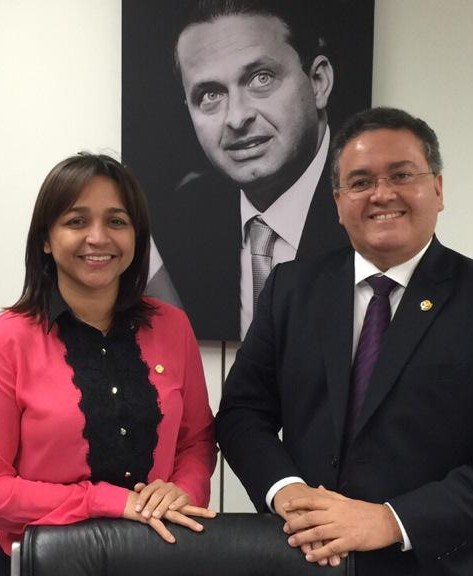Governador tenta ameaçar aliança entre senador e deputada federal com a candidatura laranja de um subserviente ao Palácio dos Leões