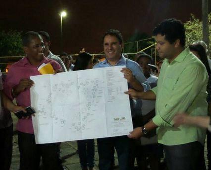 Professor Lisboa, Edivaldo e Diogo Lima apresentam a reforma da Praça do Letrado, no Vinhais