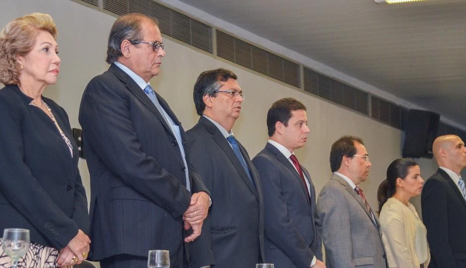 Réu em desvio de recursos públicos participa de Simpósio de combate à corrupção