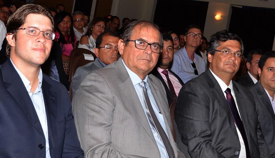 Humberto Coutinho mantém 30 cabos eleitorais como funcionários fantasmas na AL
