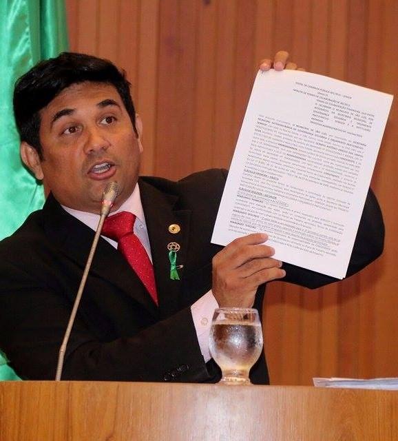 Wellington questionou de Rafael Leitoa sobre a suplementação de uma pasta da Prefeitura de São Luís ter sido feita apenas para contratar o Isec