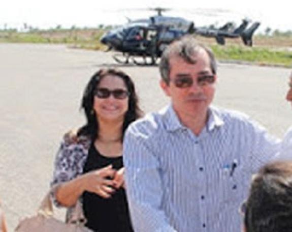 Symone Pacheco usou a prerrogativa fora da lei de ser mulher do secretário para poder viajar com o Marcos Pacheco no helicóptero do GTA