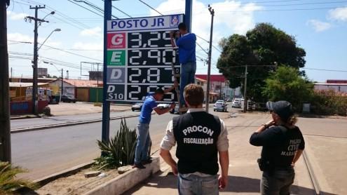 Procon-MA reduz valor do combustível em postos que elevaram o preço sem justificativa