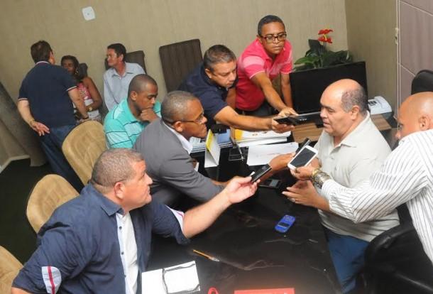 Astro de Ogum concede entrevista coletiva e fala das obras de reforma infraestruturais na Câmara Municipal