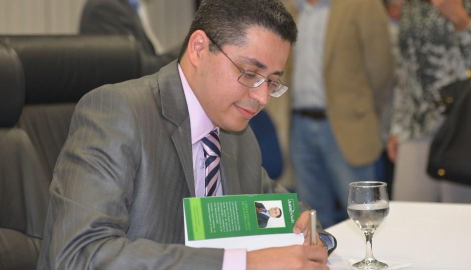 Noiva do subsecretário de Saúde do Maranhão ocupa alto cargo pela Emserh