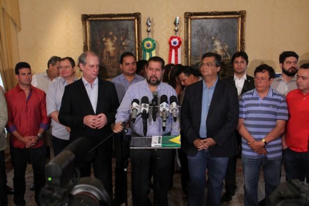 """Sem força, governador Flávio Dino pode apenas irritar-se ao Carlos Lupi lhe """"usurpar"""" a cadeira presidencial """"entregá-la"""" para Ciro Gomes"""