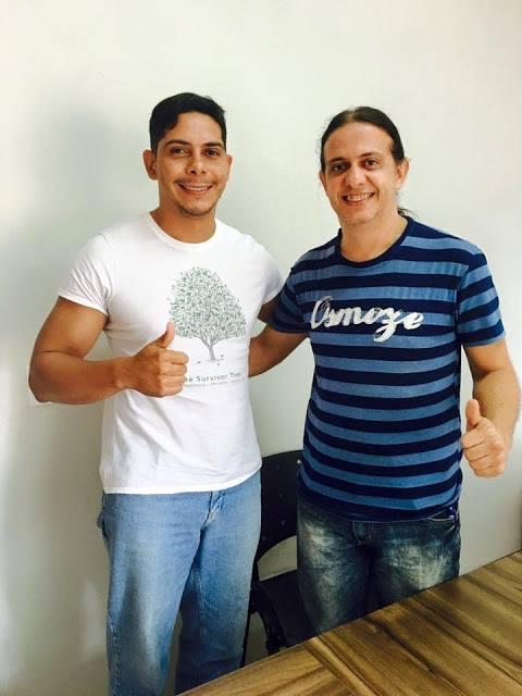 Gentil, abraçado com seu provável vice na disputa pela Prefeitura de Caxias, Paulo Marinho Júnior