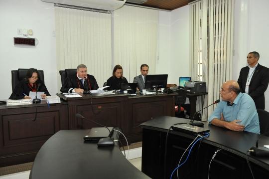 Desembargador Froz Sobrinho decreta prisão preventiva do prefeito Ribamar Alves, durante a audiência de custódia