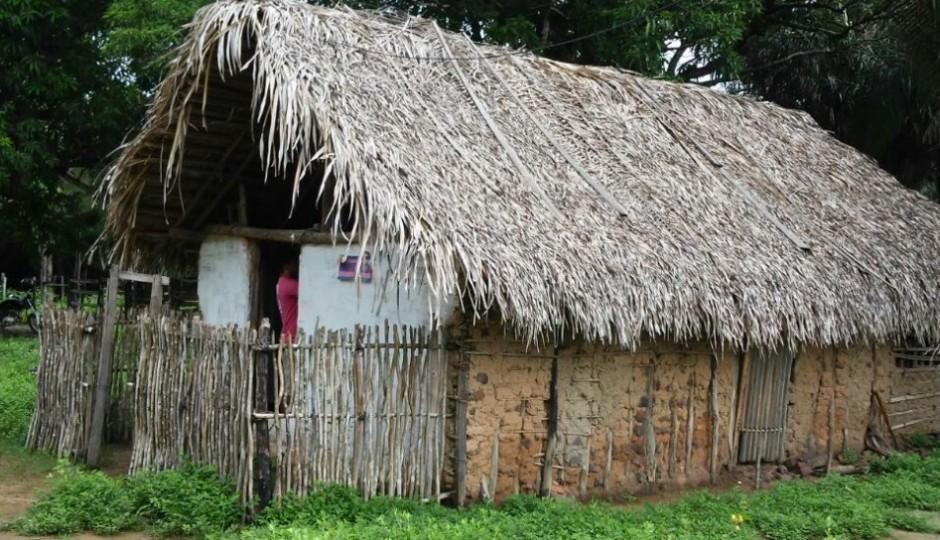 Chapadinha: Crianças em escola de taipa e sem merenda escolar
