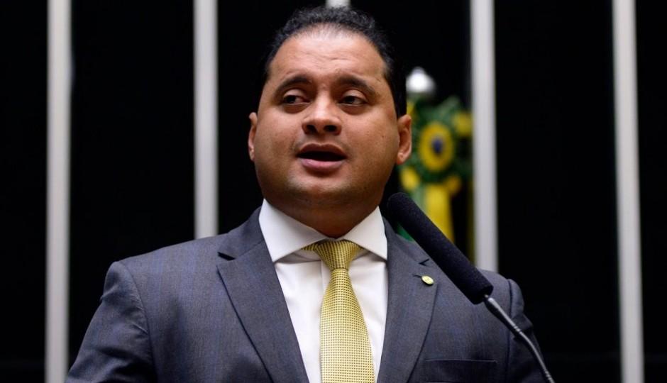 Impeachment: PDT anuncia apoio a Dilma e punição a dissidentes