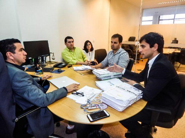 Procon-MA e Defensoria Pública apresentam ACP para juiz Douglas Martins, da Vara de Interesses Difusos e Coletivos de São Luís