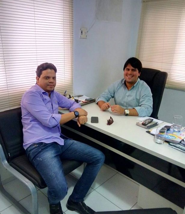 O pré-candidato forte a prefeito de Pinheiro, Luciano Genésio, em reunião com o presidente estadual do PP, André Fufuca