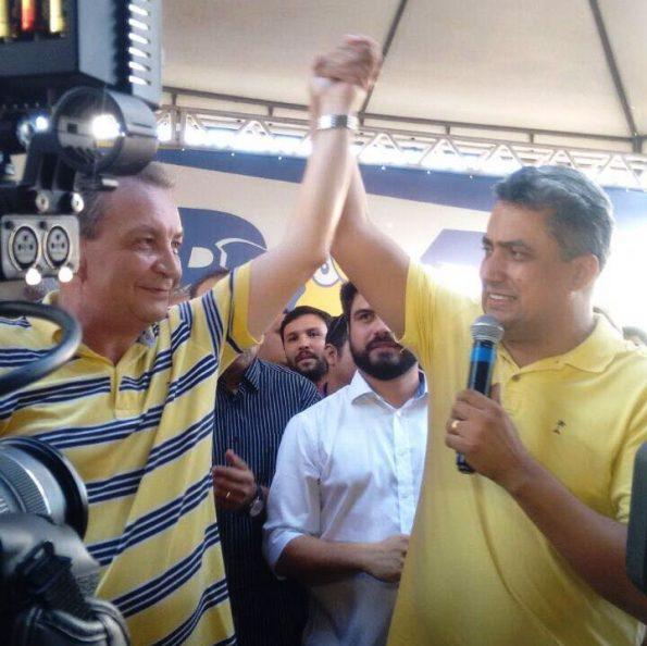 Pré-candidato a prefeito pelo PSB, Arnaldo Colaço declarou apoio a Luis Fernando Silva durante a convenção
