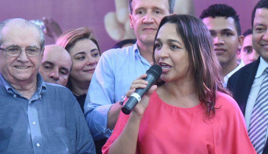 Eliziane Gama é orientada a esconder João Castelo de sua campanha