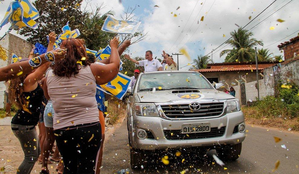Luis Fernando realiza carreata histórica em São José de Ribamar