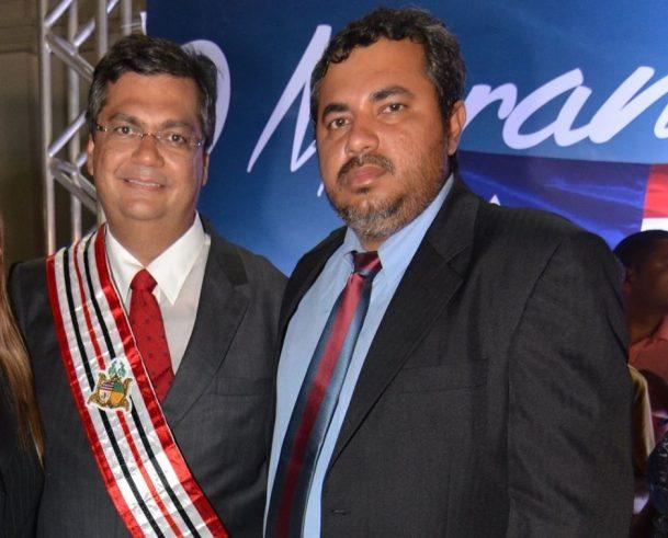 O governador Flávio Dino e o meio-irmão Saulo Dino, que mal deixou a secretaria de Esportes de Imperatriz e já assumiu a de Infraestrutura de Açailândia