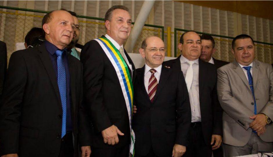Luis Fernando anuncia 10 medidas para o início da reconstrução de Ribamar