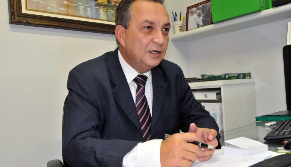 Luís Fernando inicia trabalho para resolver pendências