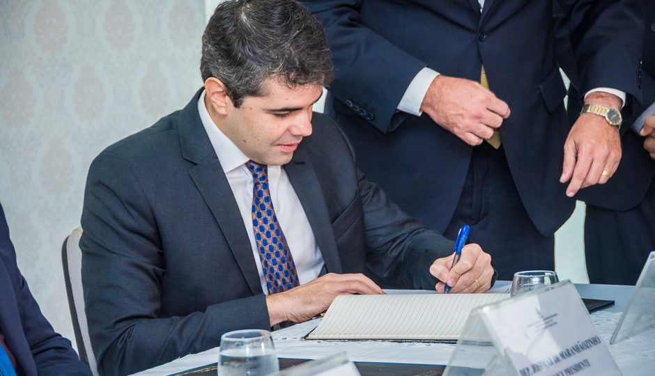 Adriano Sarney anuncia pacote para fortalecimento do Legislativo