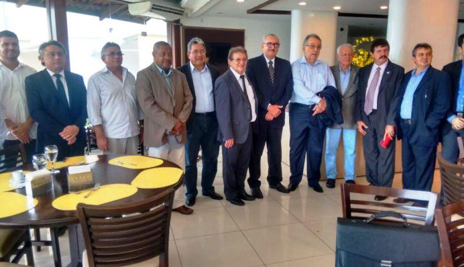 César Pires visita Porto do Itaqui com dirigentes da CNA