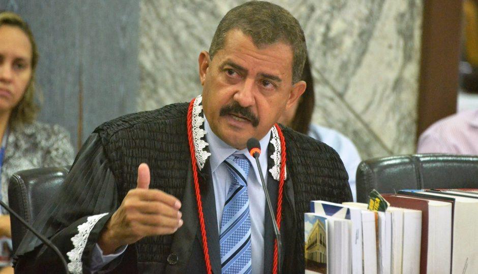 Justiça revoga decisão e garante seletivo para professores em Pinheiro