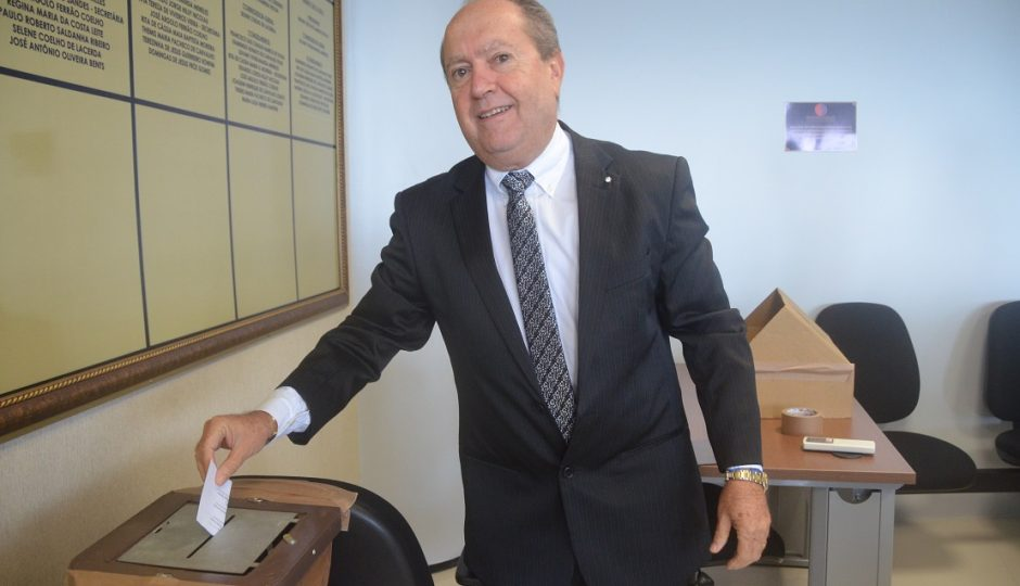 """Voto nela para auxiliar de limpeza"", diz Eduardo Nicolau sobre Roseana"
