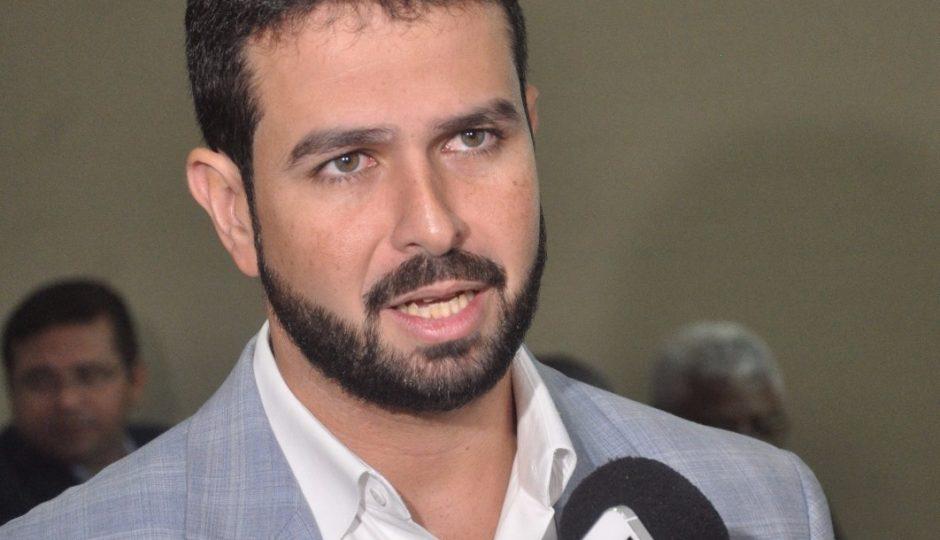 TJ revoga bloqueio de bens do ex-prefeito Gil Cutrim
