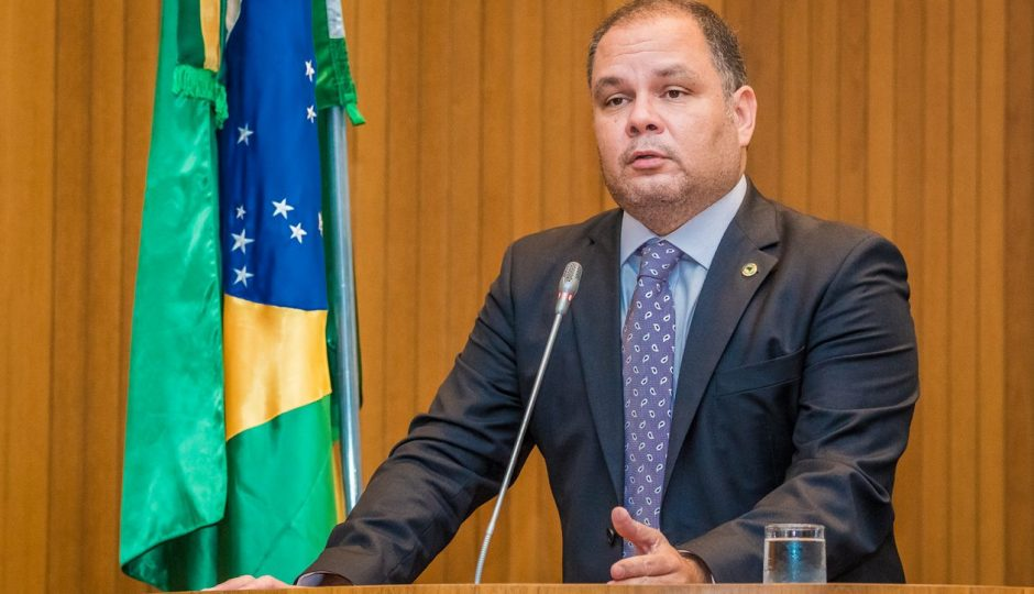 Líder convoca deputados a se unirem contra Reforma da Previdência