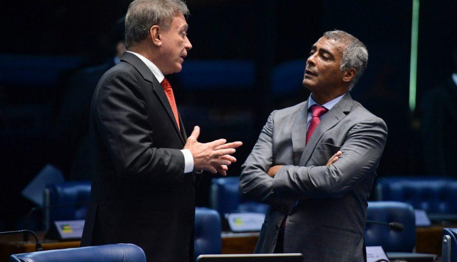 Álvaro Dias e Romário acertam filiação ao partido de Maura Jorge