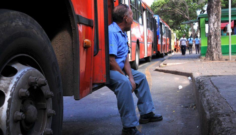 Motoristas e cobradores decidem entrar em greve em São Luís