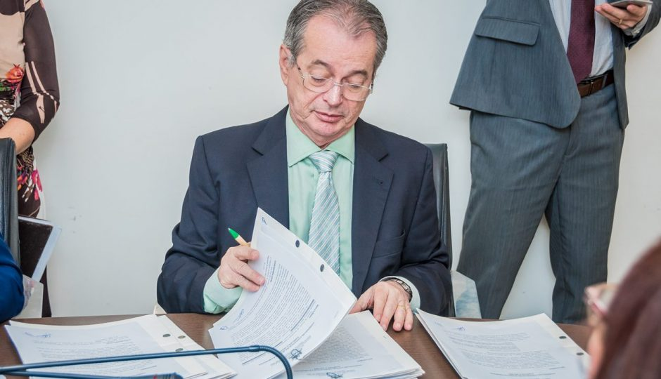 Comissão de Ética da Assembleia recebe representação contra Levi Pontes