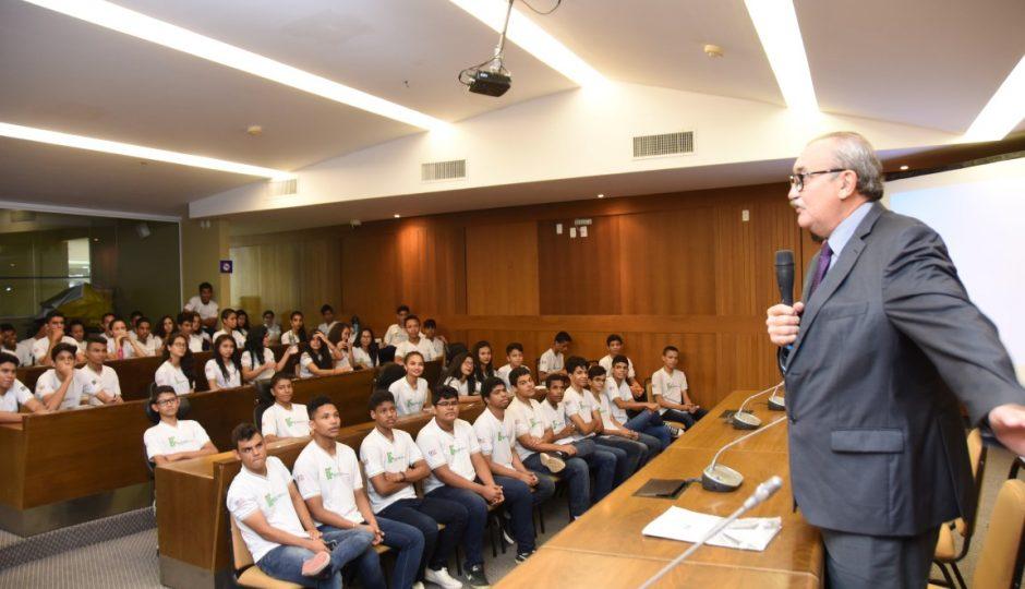Alunos do IFMA participam do programa Parlamento Estudantil