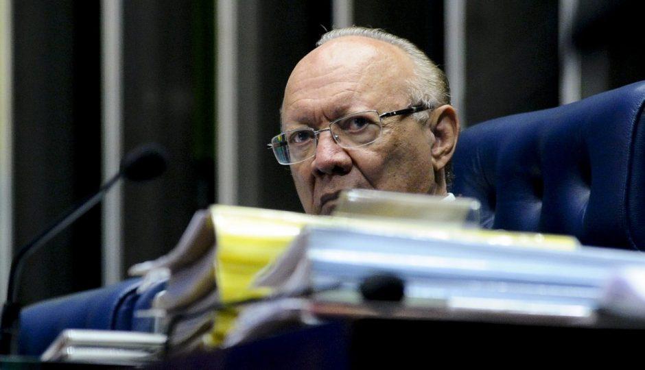 João Alberto arquiva pedido de cassação de Aécio Neves