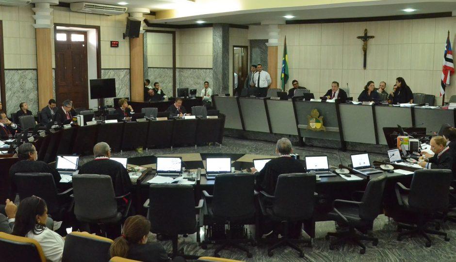 16 desembargadores já votaram pelo corte dos 21,7% no salário dos servidores