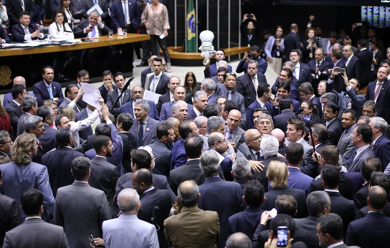 Bancada do Maranhão: 11 votam a favor de Temer e sete contra